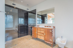 Master Ensuite (with shower and bath