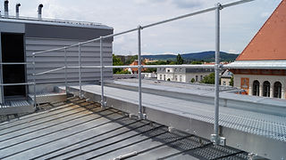 ROOFWALK with railing