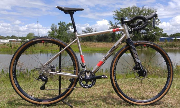 Clement Ushuaia wheels on the Wilier Triestina Jaroon gravel bike