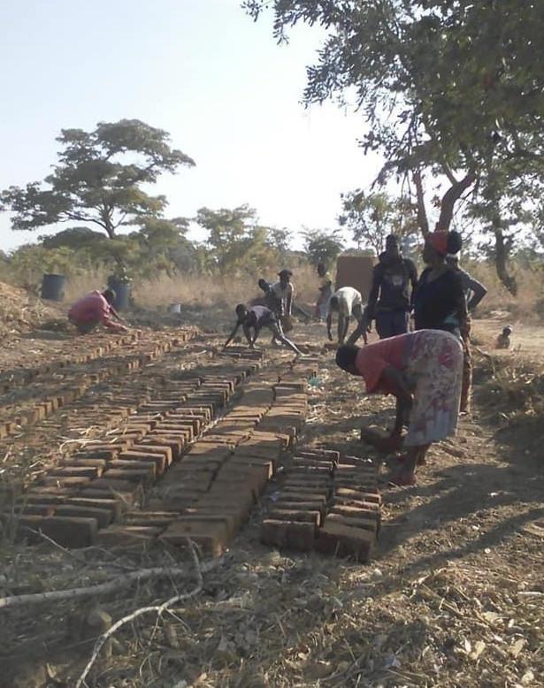 Making Bricks - Everybody helps