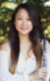 Holly Hu headshot.JPG