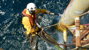Eco-Friendly Dustless Blasting from ESL for Marine         and Offshore