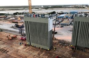 World's Largest Heavylift Vessel Reconfigured with Fast Turnaround