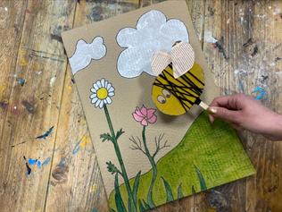 Our buzzy bee art class