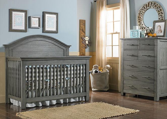 lucca crib.jpg