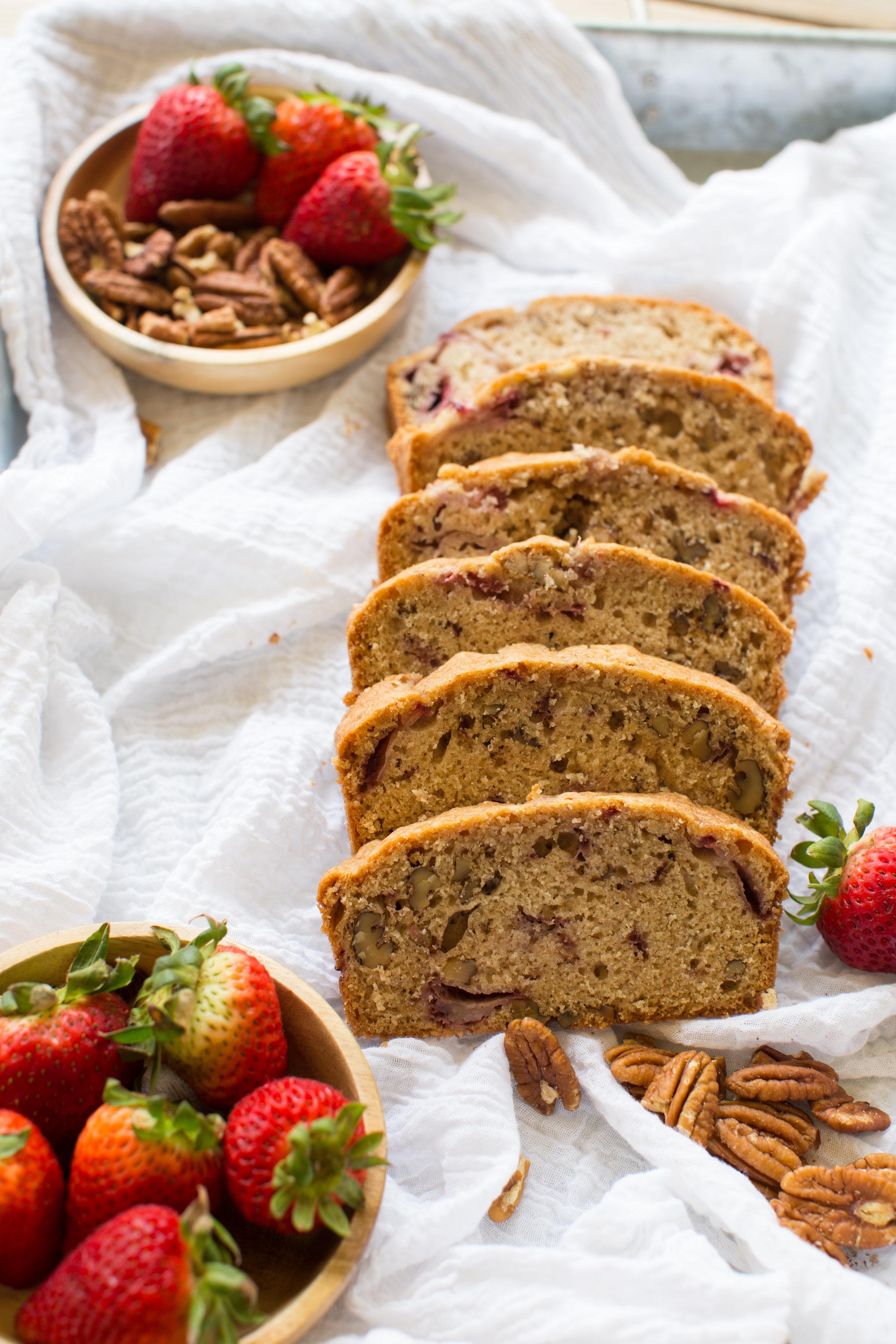 Strawberry-Pecan-Bread-recipe-vianneyrod