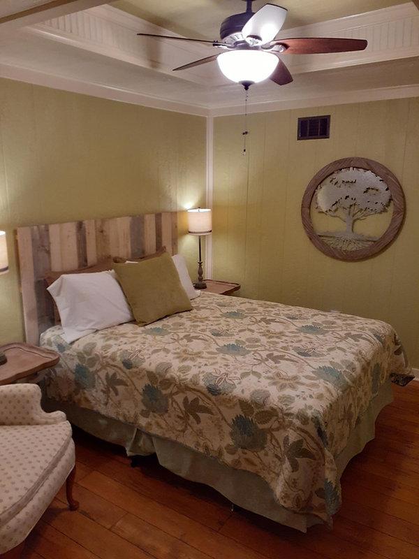 Deb's Bedroom 2.jpg