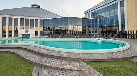 facade-pool-terrace-quality-hotel-skjaergarden-2.jpg
