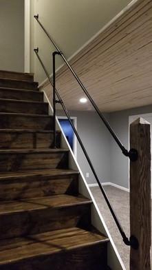 Custom stair hand rail black iron pipe b