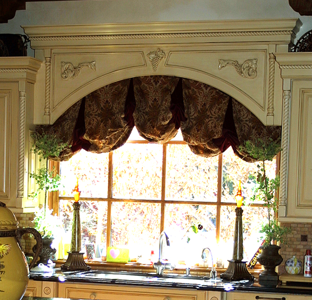 Balloon Valances.