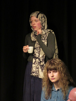 Kirsten speelt Fatima/Linda.