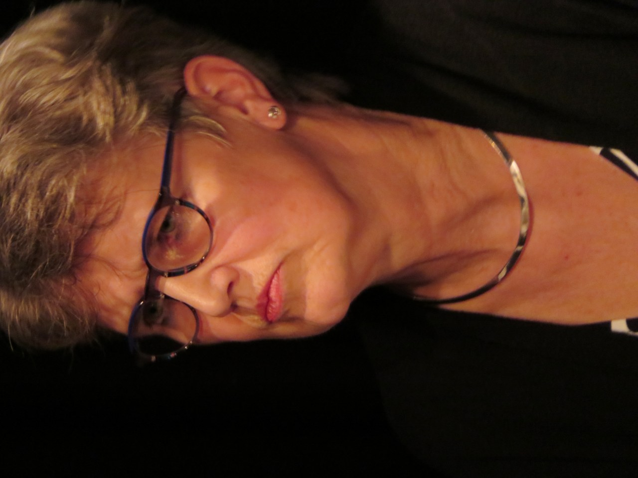 Dieneke Schuiling speelt Lena.