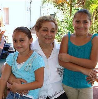 Mom's Princess _2 Tatiana, _3 Juliana.jpg