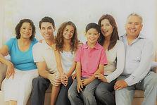 tres generaciones de una familia