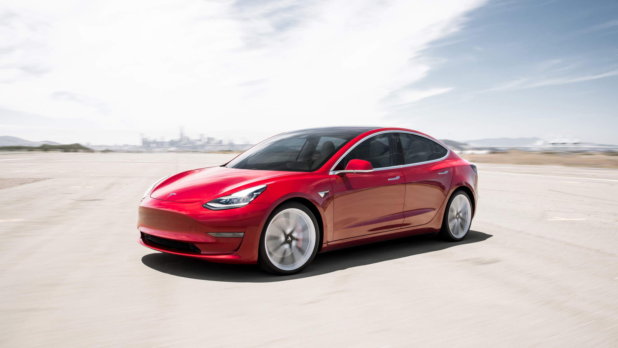 Mini-Showcase - Tesla Model 3