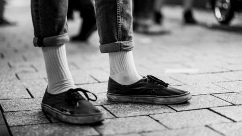 About_Feets_Quirin_Gertz_Lahr_Ortenau_Baden_Württemberg_Streetfotografie_Black_White_Fotografie_Streetart_Monochrome_Fujifilm_X-T2-8.jpg