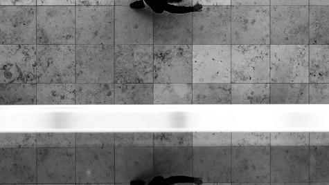 Just_Streetr_Quirin_Gertz_Lahr_Ortenau_Baden_Württemberg_Streetfotografie_Black_White_Fotografie_Streetart_Monochrome_Fujifilm_X-T2-1.jpg
