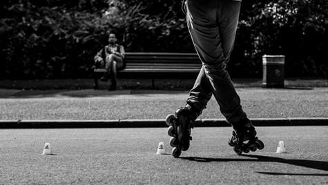 About_Feets_Quirin_Gertz_Lahr_Ortenau_Baden_Württemberg_Streetfotografie_Black_White_Fotografie_Streetart_Monochrome_Fujifilm_X-T2-9.jpg