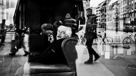 The_Others_Quirin_Gertz_Lahr_Ortenau_Baden_Württemberg_Streetfotografie_Black_White_Fotografie_Streetart_Monochrome_Fujifilm_X-T2-1.jpg