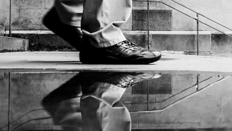 About_Feets_Quirin_Gertz_Lahr_Ortenau_Baden_Württemberg_Streetfotografie_Black_White_Fotografie_Streetart_Monochrome_Fujifilm_X-T2-5.jpg