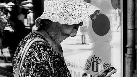 The_Others_Quirin_Gertz_Lahr_Ortenau_Baden_Württemberg_Streetfotografie_Black_White_Fotografie_Streetart_Monochrome_Fujifilm_X-T2-7.jpg