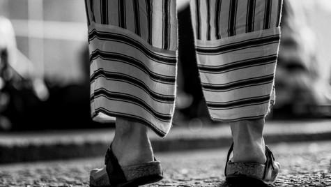 About_Feets_Quirin_Gertz_Lahr_Ortenau_Baden_Württemberg_Streetfotografie_Black_White_Fotografie_Streetart_Monochrome_Fujifilm_X-T2-10.jpg