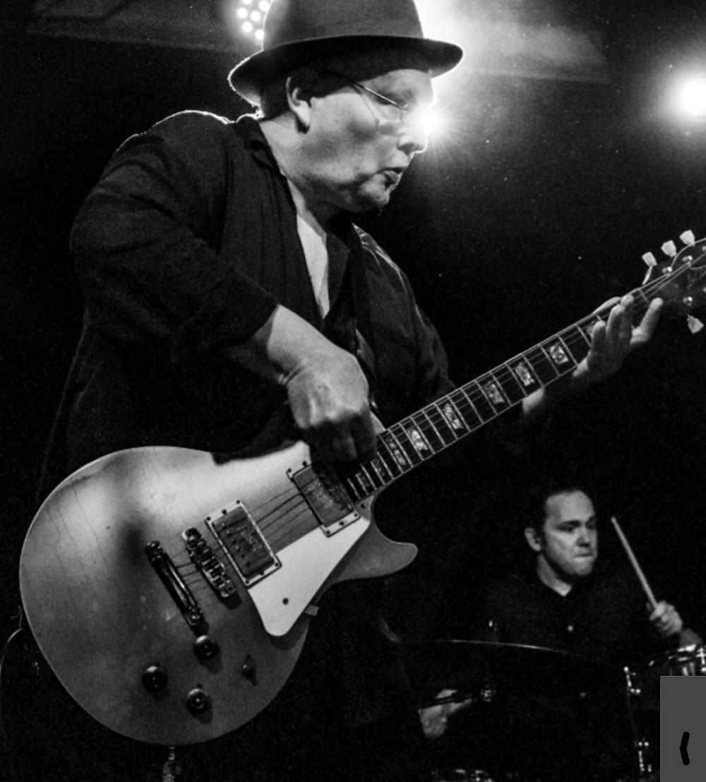 john perry playing jerome alexandres guitar