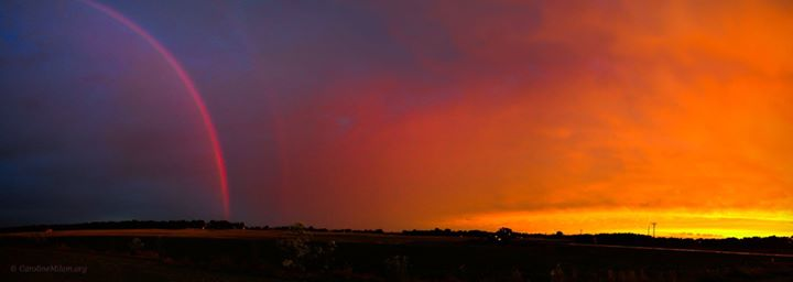 I took a number of shots of this event.jpgA rainbow at sunset, as we were leaving Kentucky, on our t