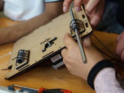 """It is a personal project, in which with my partner Roberto Helguera Jr., we developed a kit of laser cut wood pieces, with which a 3D printer can be assembled. The main objective objectives of this project are: - Update what is taught in schools, introducing digital manufacturing as a subject. Providing the necessary elements and digital support. - Train students and teachers so they can assemble the machines and repair them. It is extremely important to put students at the same height as their teachers, it generates an extremely positive impact on the team that is formed. - Stimulate local economies by offering a """"social franchise"""" system. In which the development of entrepreneurship is promoted, so that citizens of small places can work right there."""