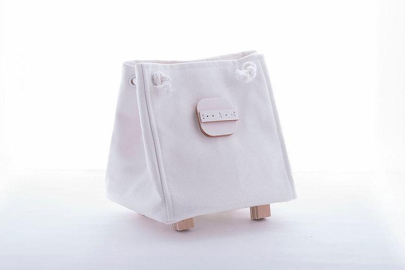 Island Workbench white Square canvas bag  hand made bag 白色 白 袋 長洲 皮 皮革 帆布 canvas cheung chau