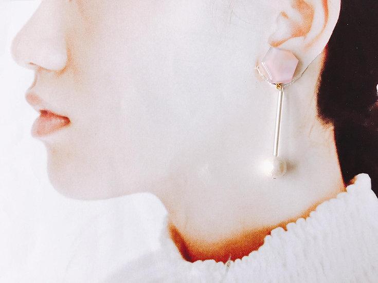 粉色夕陽-有珍珠耳環