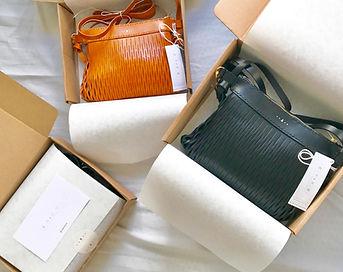 牛 皮 皮革 leather bag 島中坊研 Island Workbench 袋 長洲 Cheung chau handmade 手作 手製 原色 黑色 black