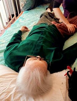 老人ホームへの訪問治療&リハビリ