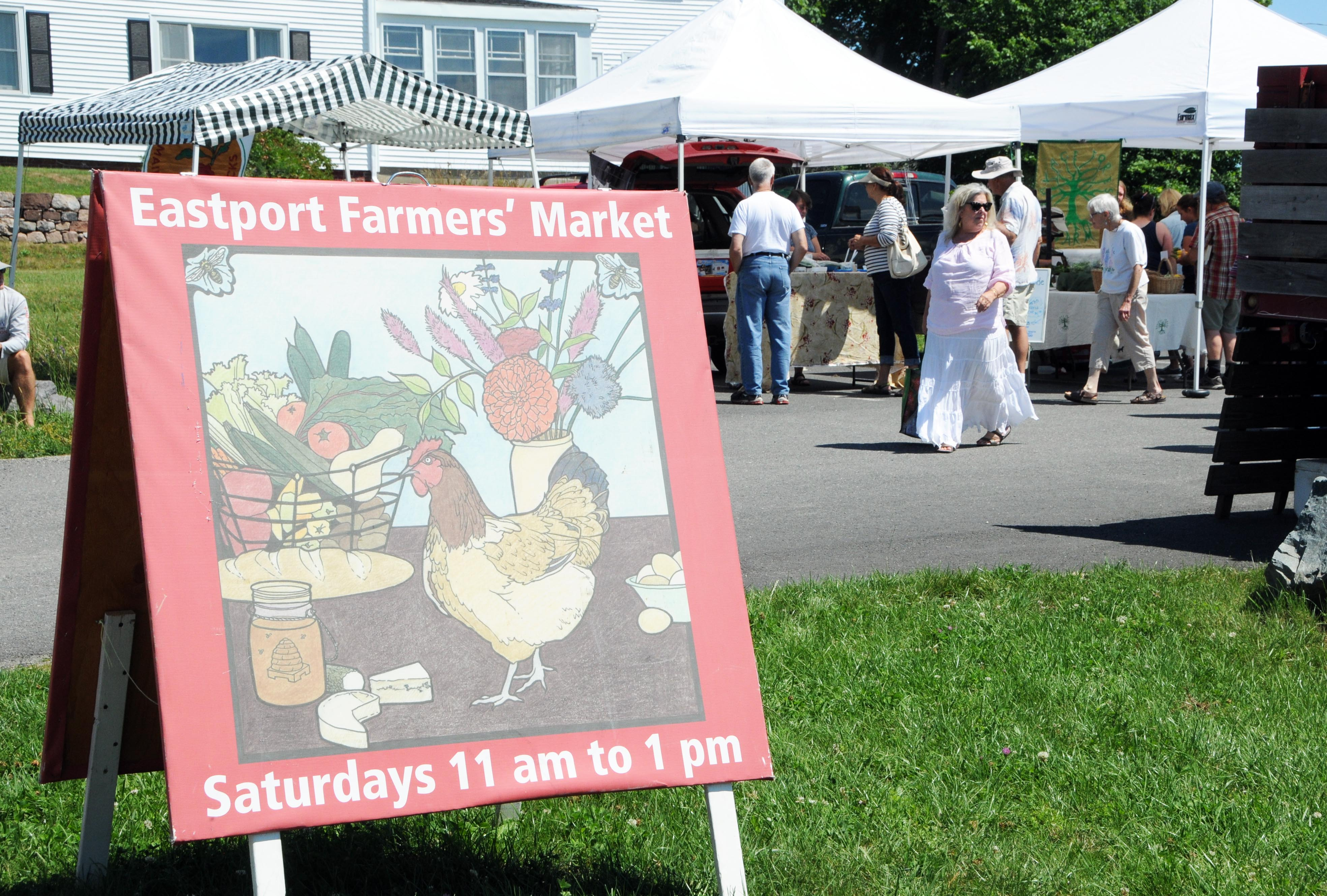 Weekly Farmers' Market on the Bay