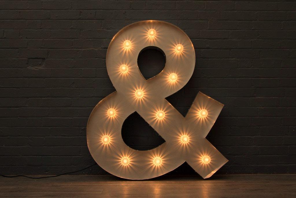 """Simbol luminos """"&"""" de inchiriat"""