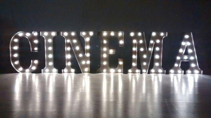 Set 6 litere luminoase de inchiriat