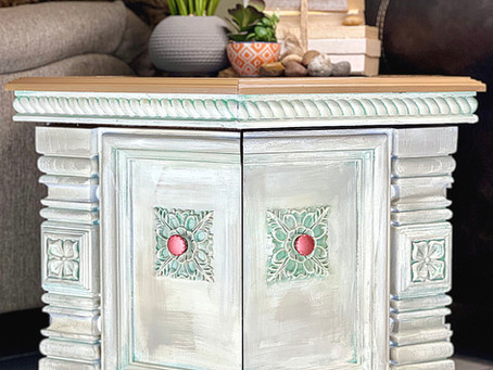 Old World Finish on a Vintage End Table with Dixie Belle Paint and Belles and Whistles Stencil