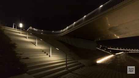 Nijmegen Waalkade - trappen