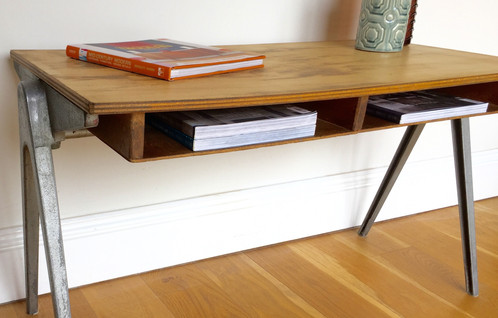 A Fabulous 1950 S Esavian School Desk Designed By James Leonard This Is Vintage Retro Piece Complete With All Original Parts Including Plywood