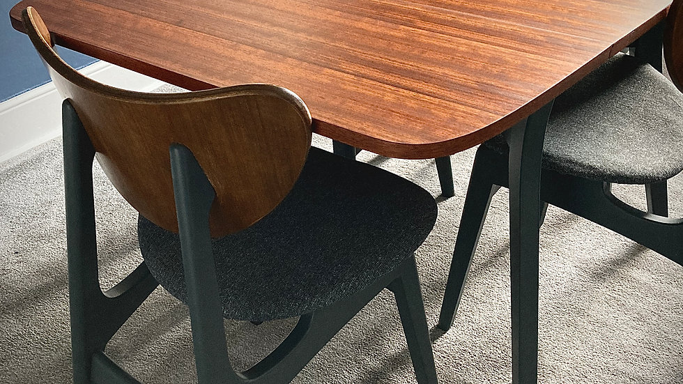 G Plan Librenza Dining Table and Chairs