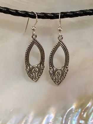 Filigree Oval Teardrop earrings