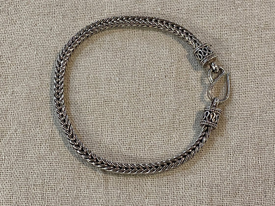 Square Rope Medium Braid Bracelet