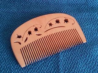 頭皮と髪に優しい「つげの櫛」