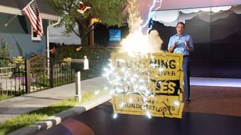 天氣頻道利用宙斯的力量來介紹閃電的威力!