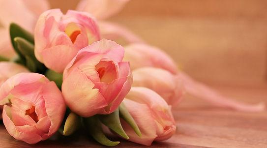 tulips-2068692_960_720.jpg