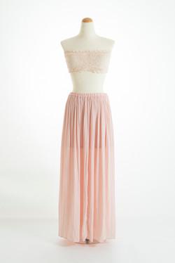 ピンクレースブラ × スカート