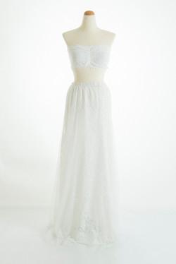 白レースブラ × 白スカート