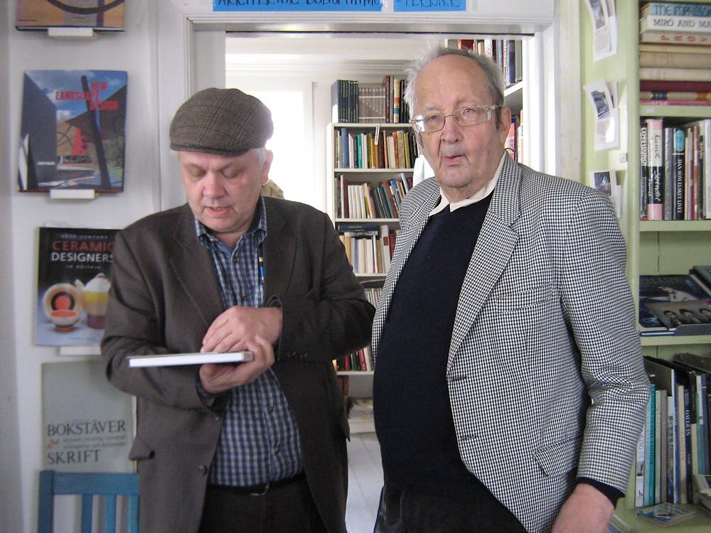 Bjarni Harðarson og Richard Booth í fornbókaverslun í Tvedestrand í Noregi vorið 2014. Í tengslum við IOB fund.