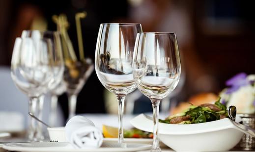 restaurant-table-setting-effective.jpg