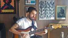 Músico de Piracicaba participa de competição internacional de solo de guitarra